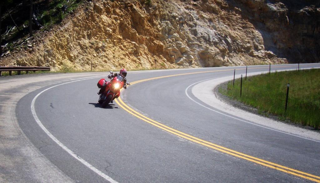 Ducati Multistrada 1100 motorcycle cornering posture