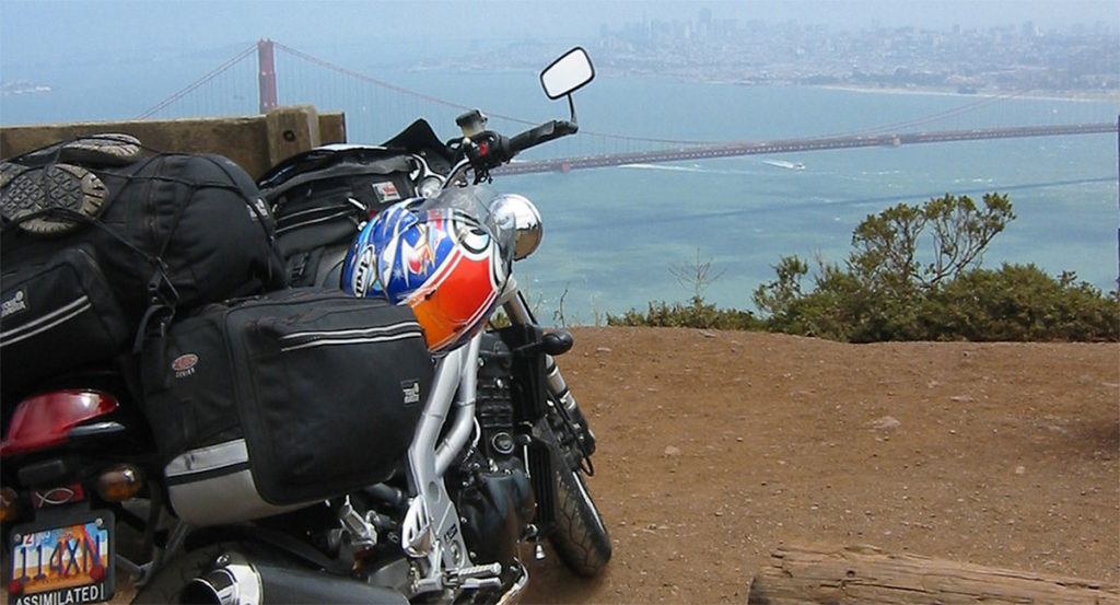 Triumph Speed Triple 955i overlooking the Golden Gate bridge