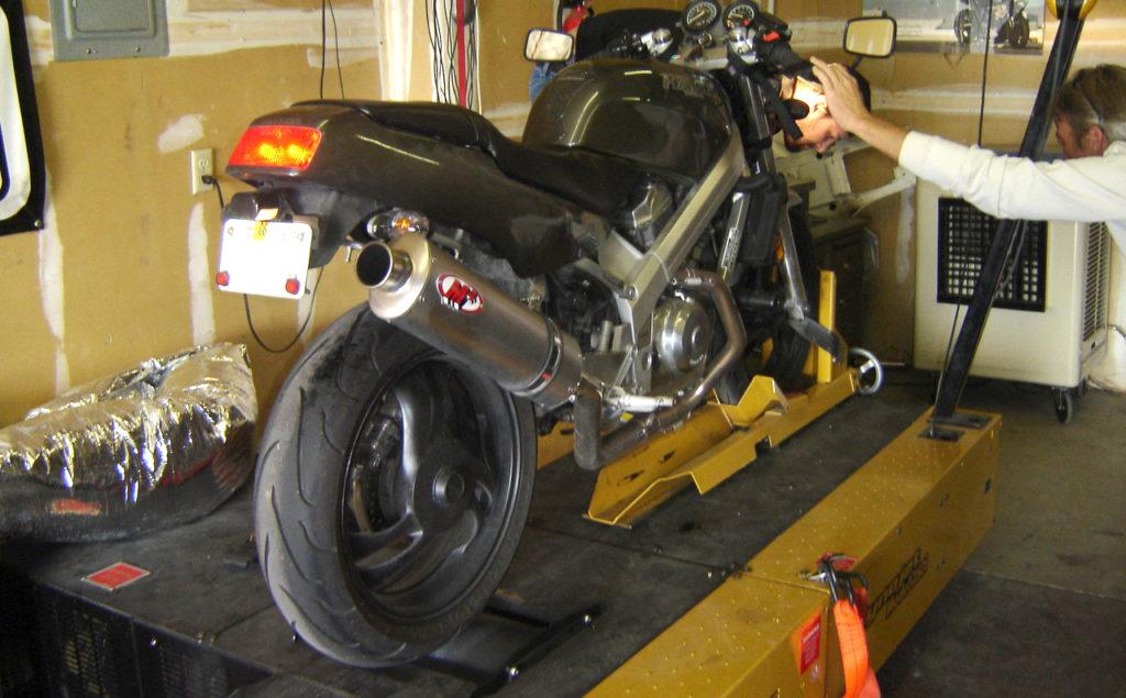 Dyno tuning a Honda Hawk GT 650 Motorcycle